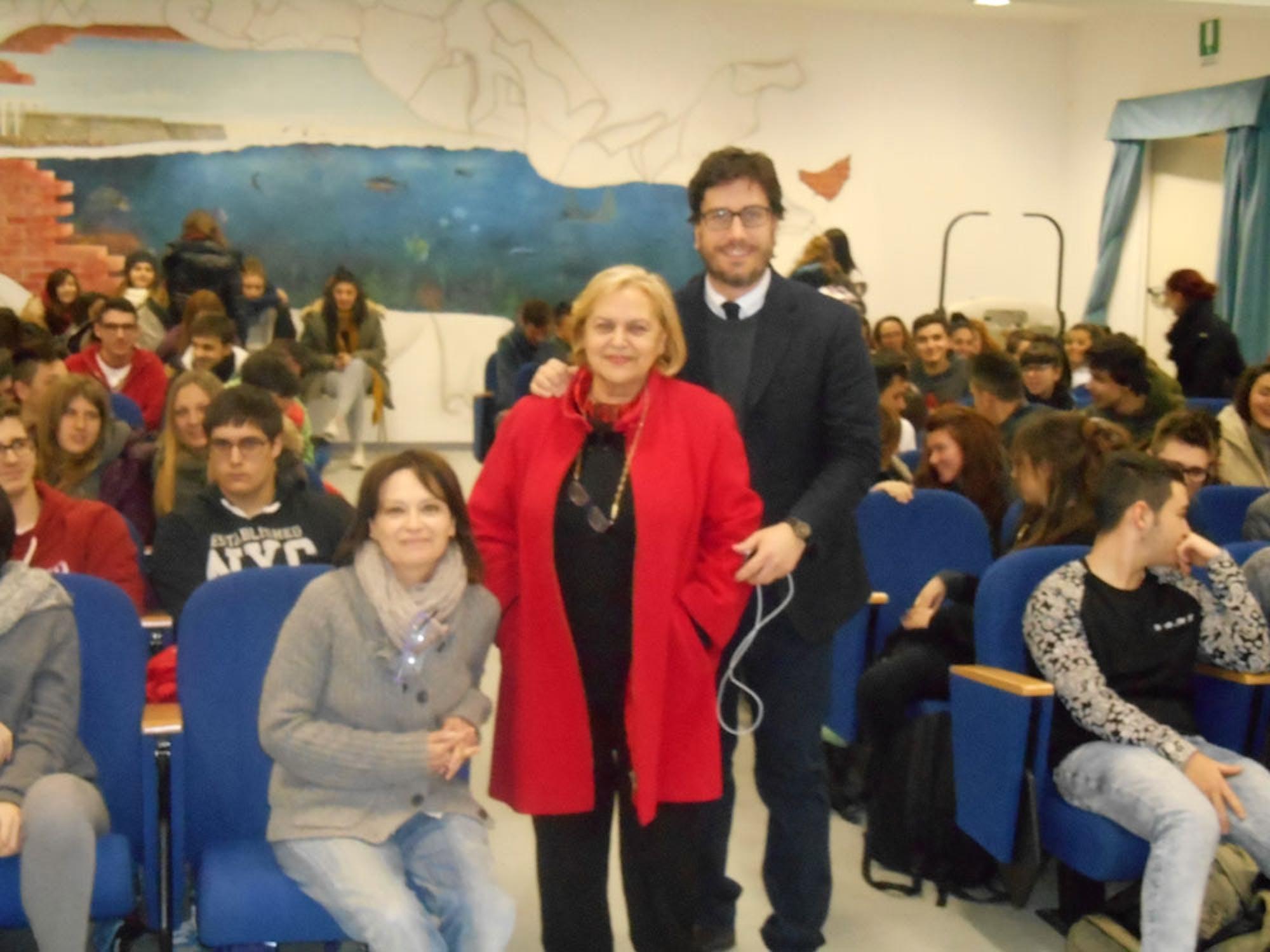 Il portavoce dell'UNICEF incontra gli studenti di Civitavecchia