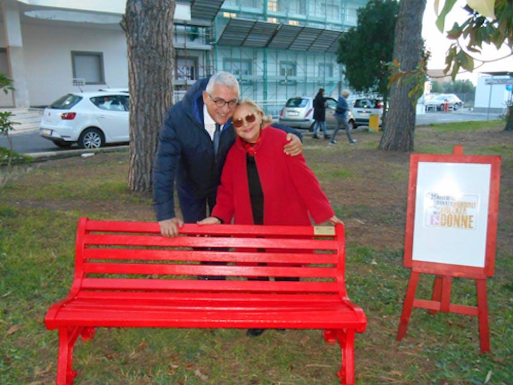 Il Direttore Generale ASL RM4  Giuseppe Quintavalle con Pina Tarantino