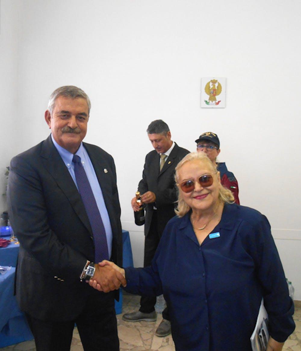 Il Questore di Roma Guido Marino con la Resp.le del Gruppo zonale UNICEF di Civitavecchia Pina Tarantino