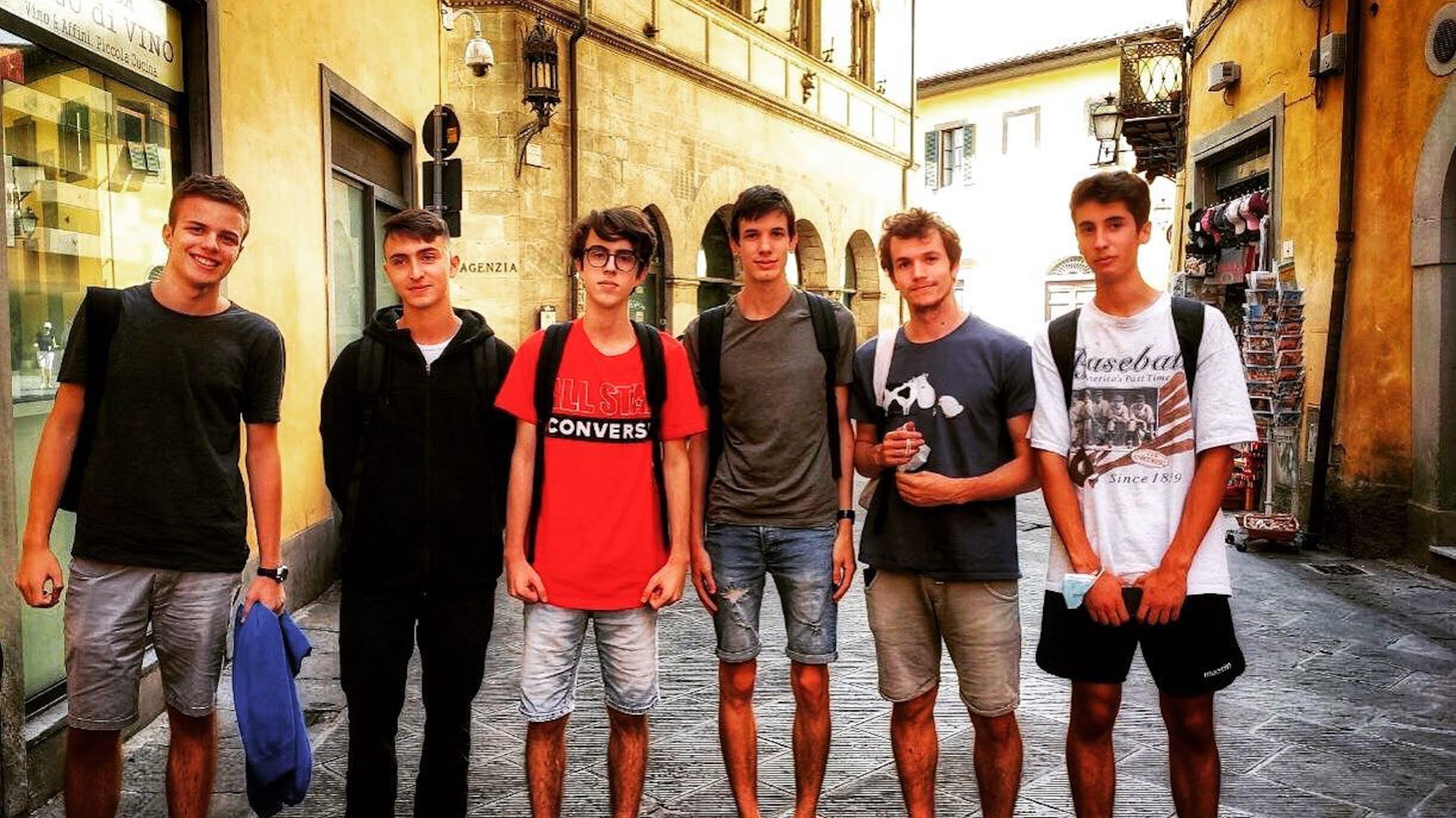 Foschi insieme agli altri partecipanti per l'Italia