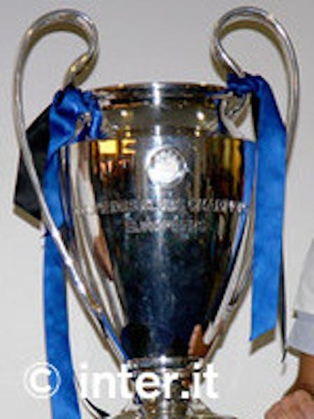 La UEFA Champions Cup esibita nel tour di Inter Campus per l'UNICEF