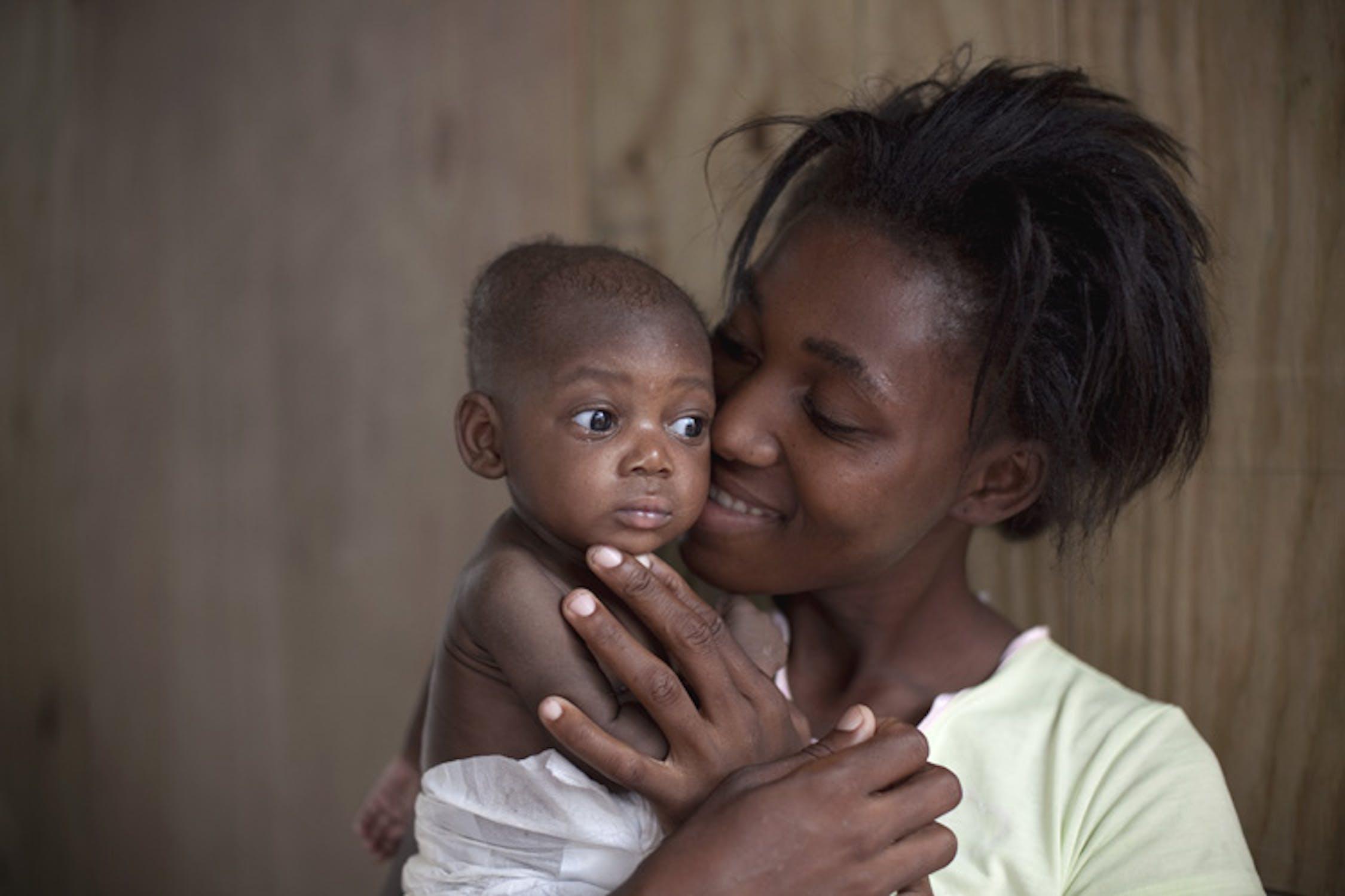 Bambini di Haiti in un campo per sfollati - ©UNICEF/NYHQ2010-1269/Ramoneda