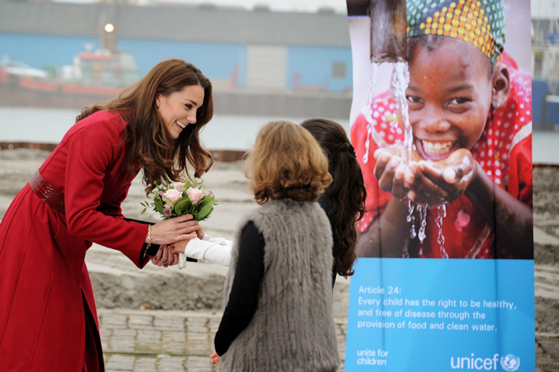 Un momento della visita di William e Kate alla UNICEF Supply Division di Copenaghen - ©UNICEF/NYHQ2011-