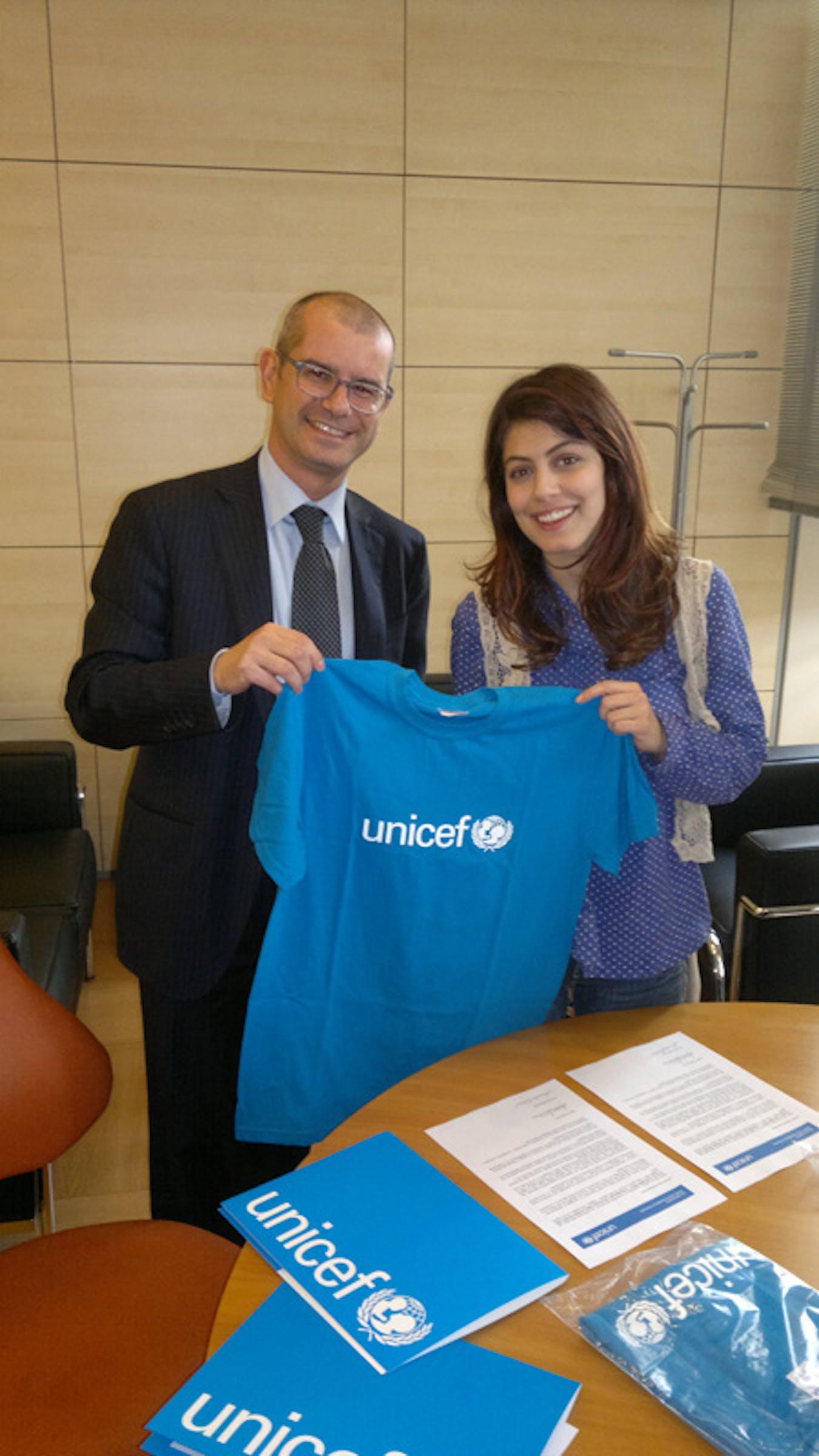 Alessandra Mastronardi insieme al Direttore generale dell'UNICEF Italia, Davide Usai - ©UNICEF Italia/2012/Loukarellis