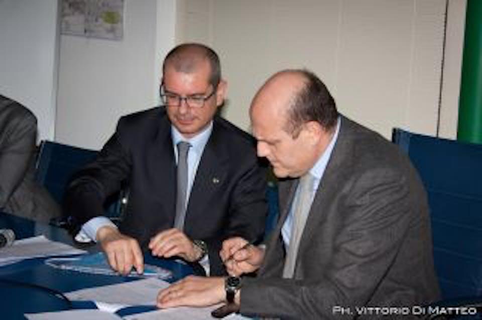 Il direttore gen. dell'UNICEF Italia, Davide Usai (a sin.) e l'Ass. regionale alla salute Massimo Russo - ©Vittorio Di Matteo