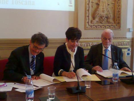 La firma del Protocollo sul lavoro minorile tra UNICEF Italia e Garante infanzia della Regione Toscana - ©UNICEF Italia/2012/Laura Baldassarre