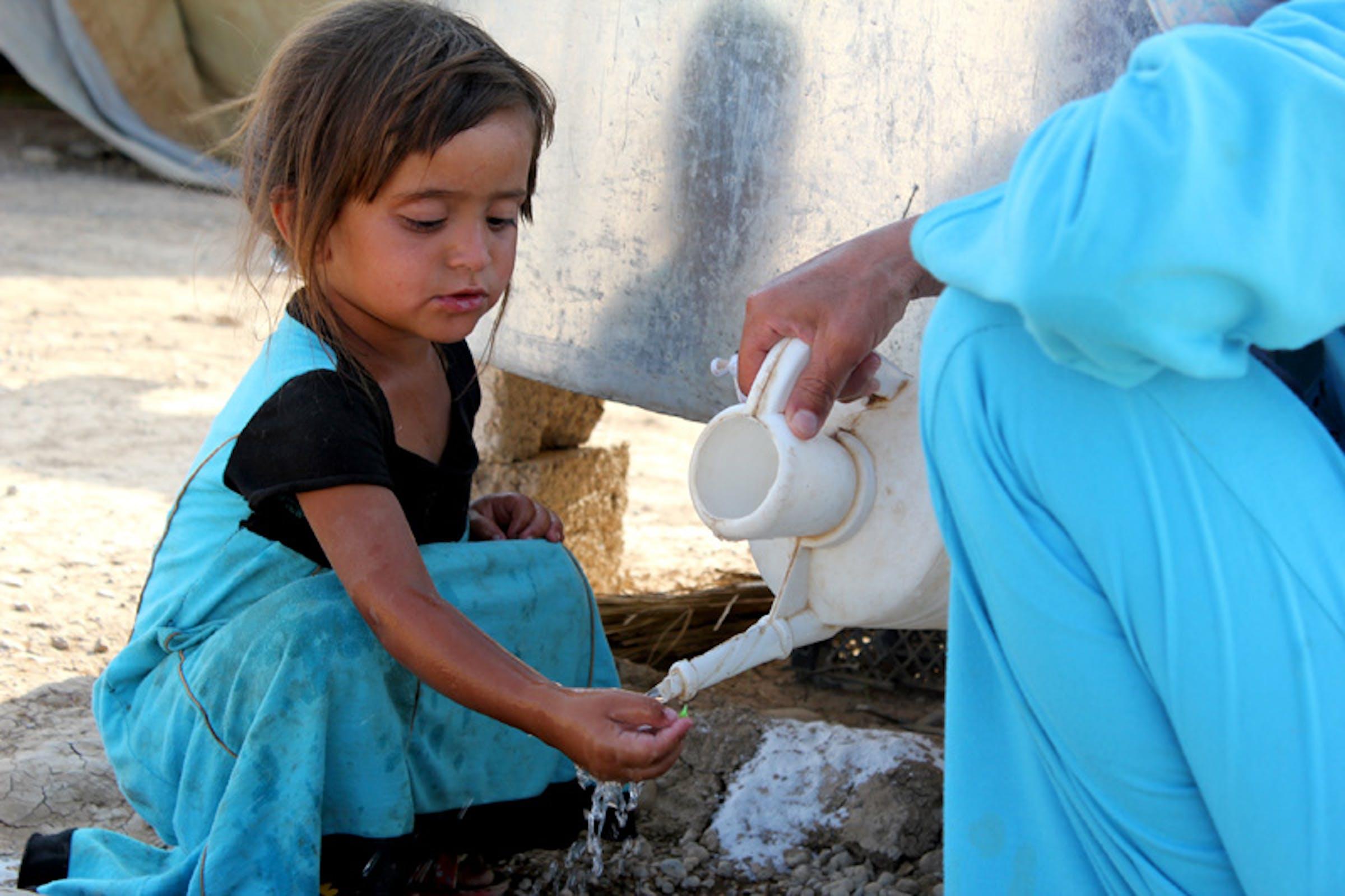In questo campo profughi (Iraq) l'acqua arriva 3 volte a settimana grazie a un'autocisterna - ©UNICEF Iraq/2012/Abdulmunem