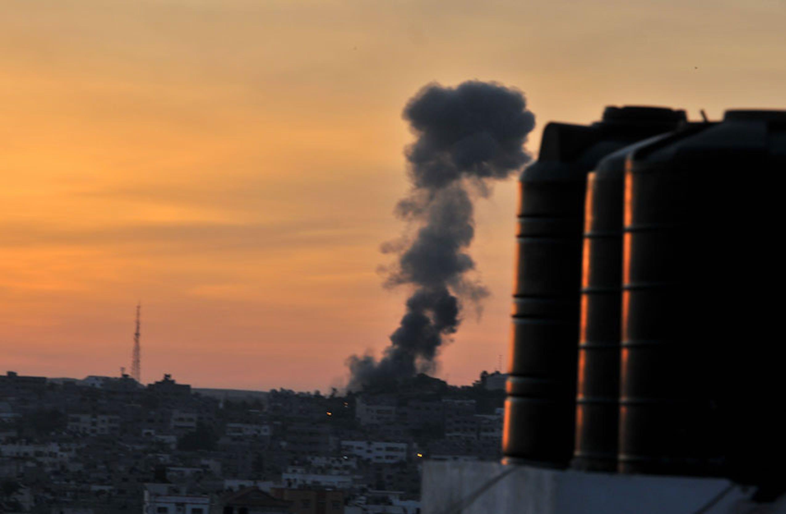 Una colonna di fumo si leva a Gaza City dopo un raid aereo israeliano - ©UN Photo/2012/Shareef Sarhan
