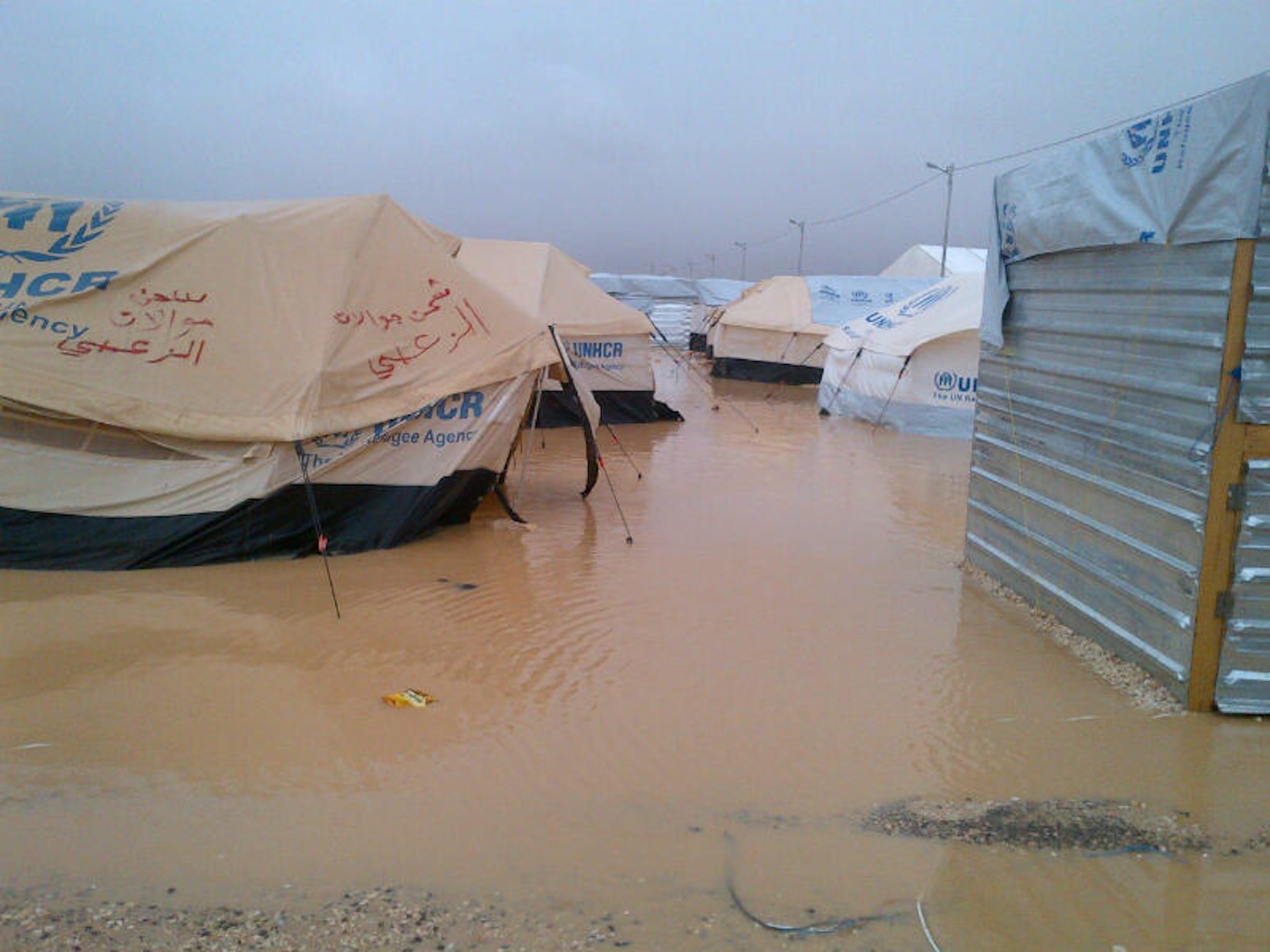 Il campo di Zaatari, nel nord della Giordania, allagato dalle piogge torrenziali dei giorni scorsi - ©UNICEF Giordania/2013