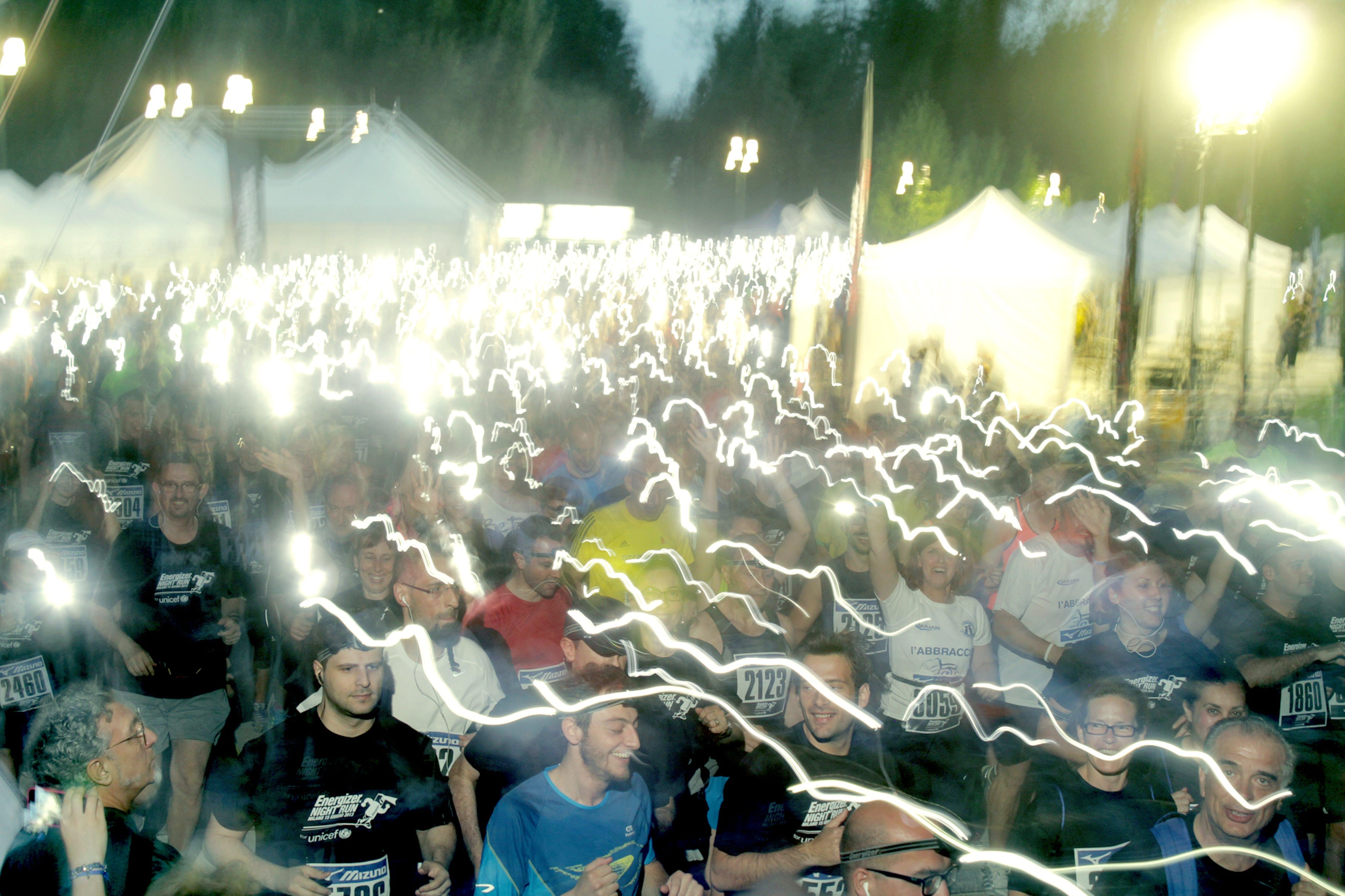Il fiume di luci che ha animato la serata di sabato 15 giugno 2013 a Milano, grazie alla Energizer Night Run 2013 - ©valentinabersiga