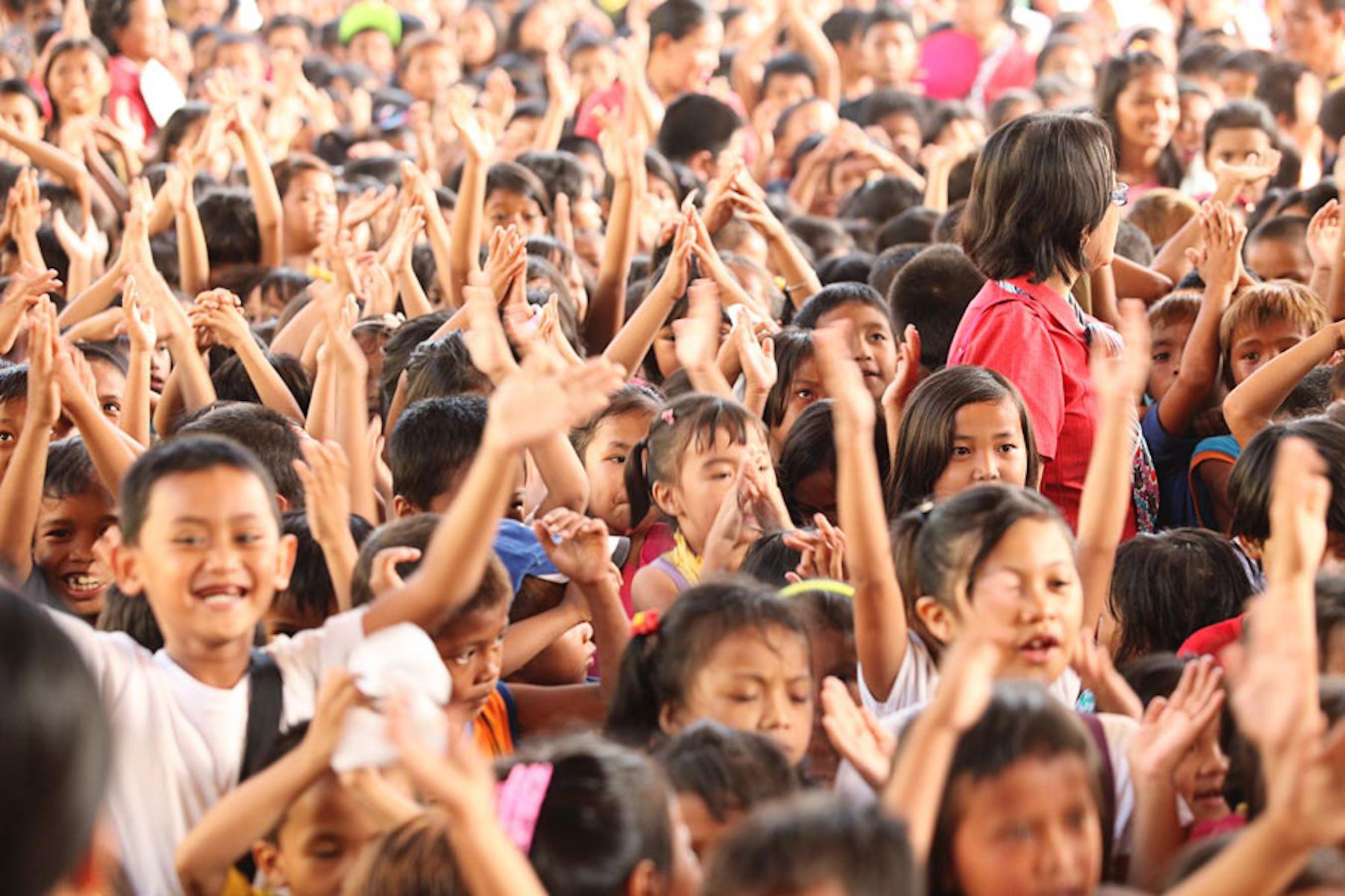 Bambini della Kapangian Central School a Tacloban (Filippine) - ©UNICEF Filippine/2014-0024/Reyna