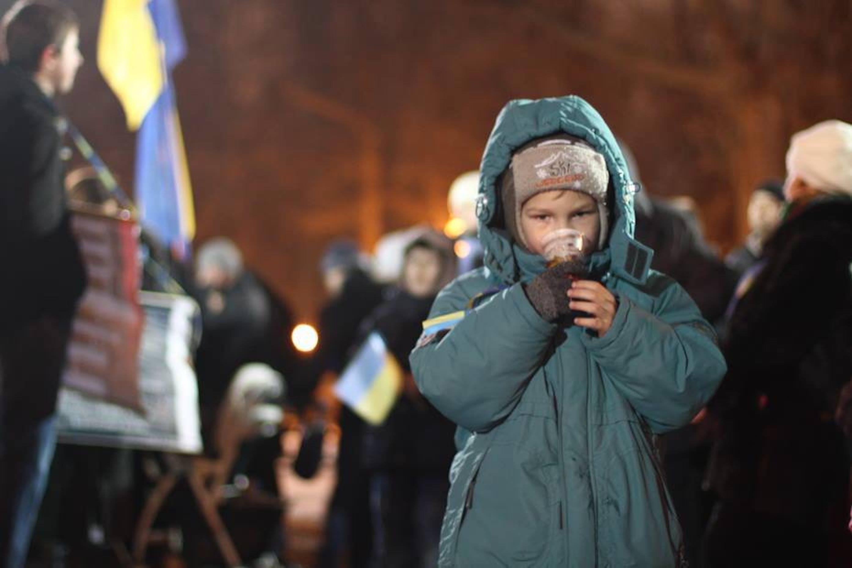 Un bambino in piazza Maidan a Kiev - ©UNICEF Ucraina/2014