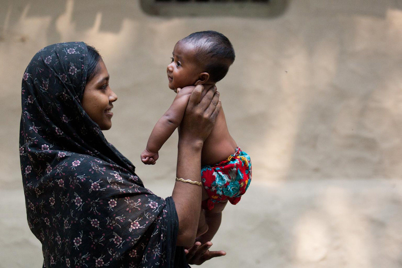 Madre e figlio, Bangladesh - ©UNICEF Bangladesh/2013-0458/Habibul Haque