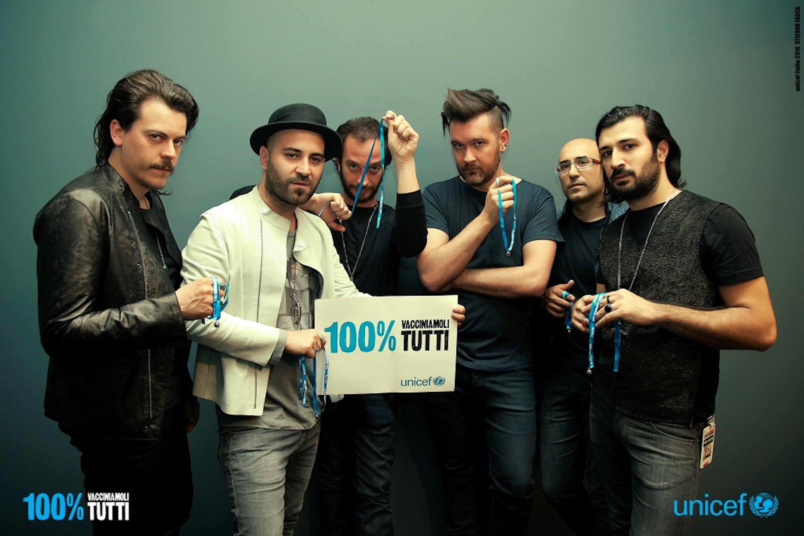 La foto dei Negramaro per la campagna UNICEF