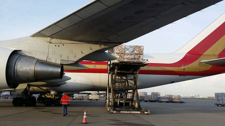 Il cargo donato da ECHO sulla pista dell'aeroporto di Amsterdam - ©UNICEF