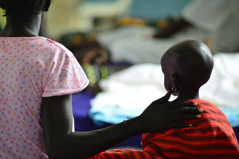 Nyanwot Lam, 2 anni, è una delle decine di migliaia di bambini che rischiano la morte per malnutrizione nel Sud Sudan a causa del conflitto che dilania il paese - ©UNICEF/NYHQ2014-1132/Nesbitt