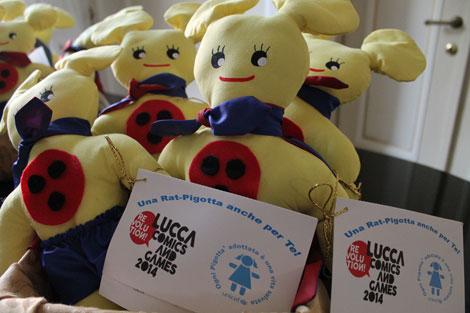Alcune delle Rat-Pigotte disegnate da Leo Ortolani  fotografate nello stand dell'UNICEF a Lucca Comics 2014