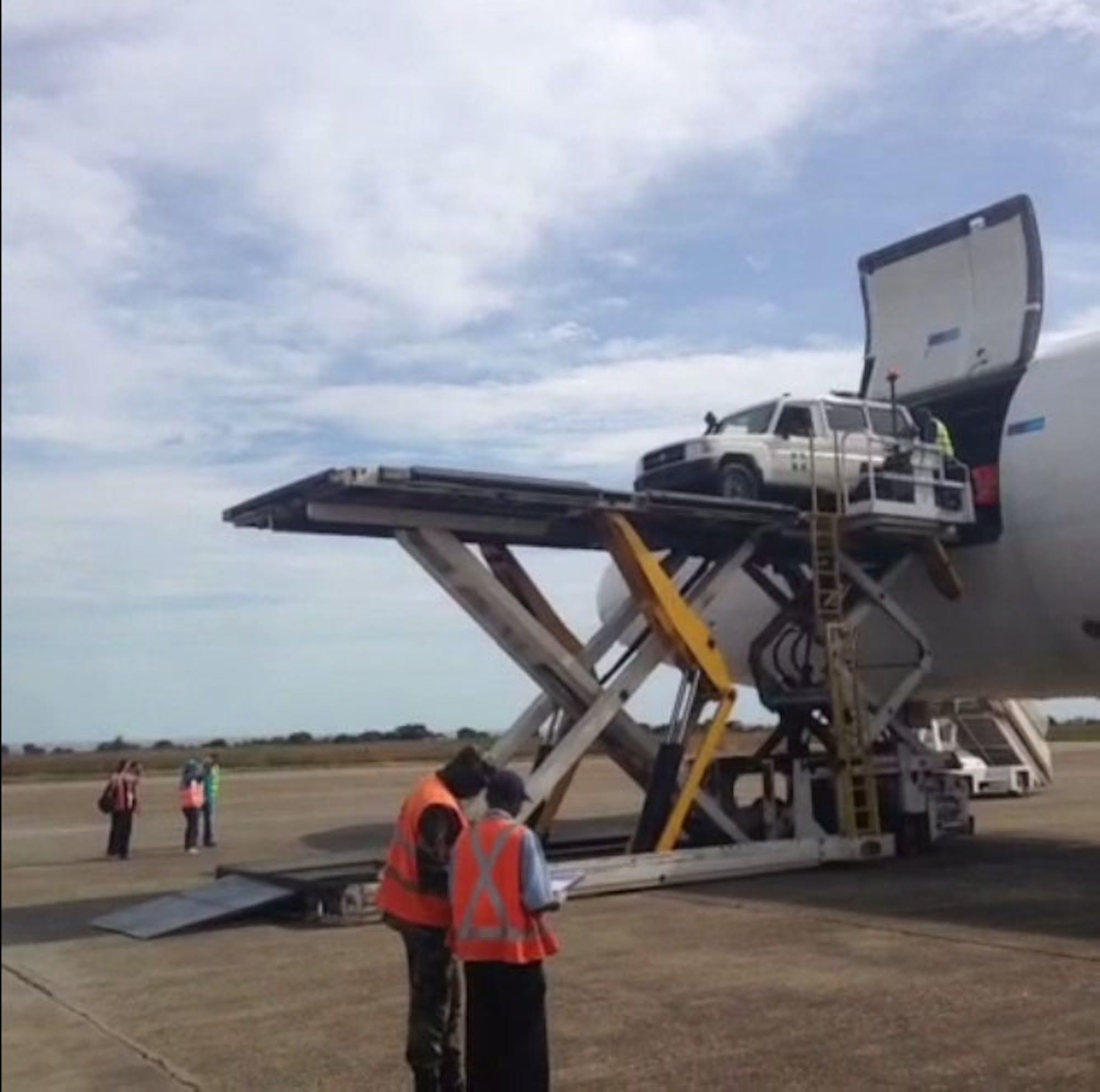 Un'immagine del volo umanitario inviato in Guinea