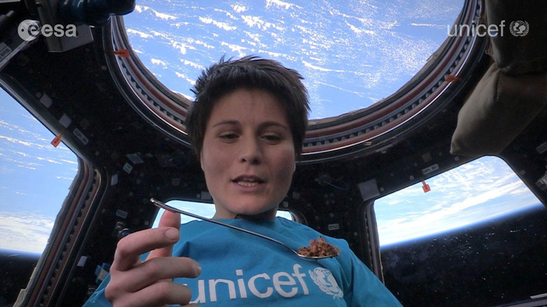 Un fotogramma del video girato da Samantha Cristoforetti a bordo della Stazione Spaziale Internazionale