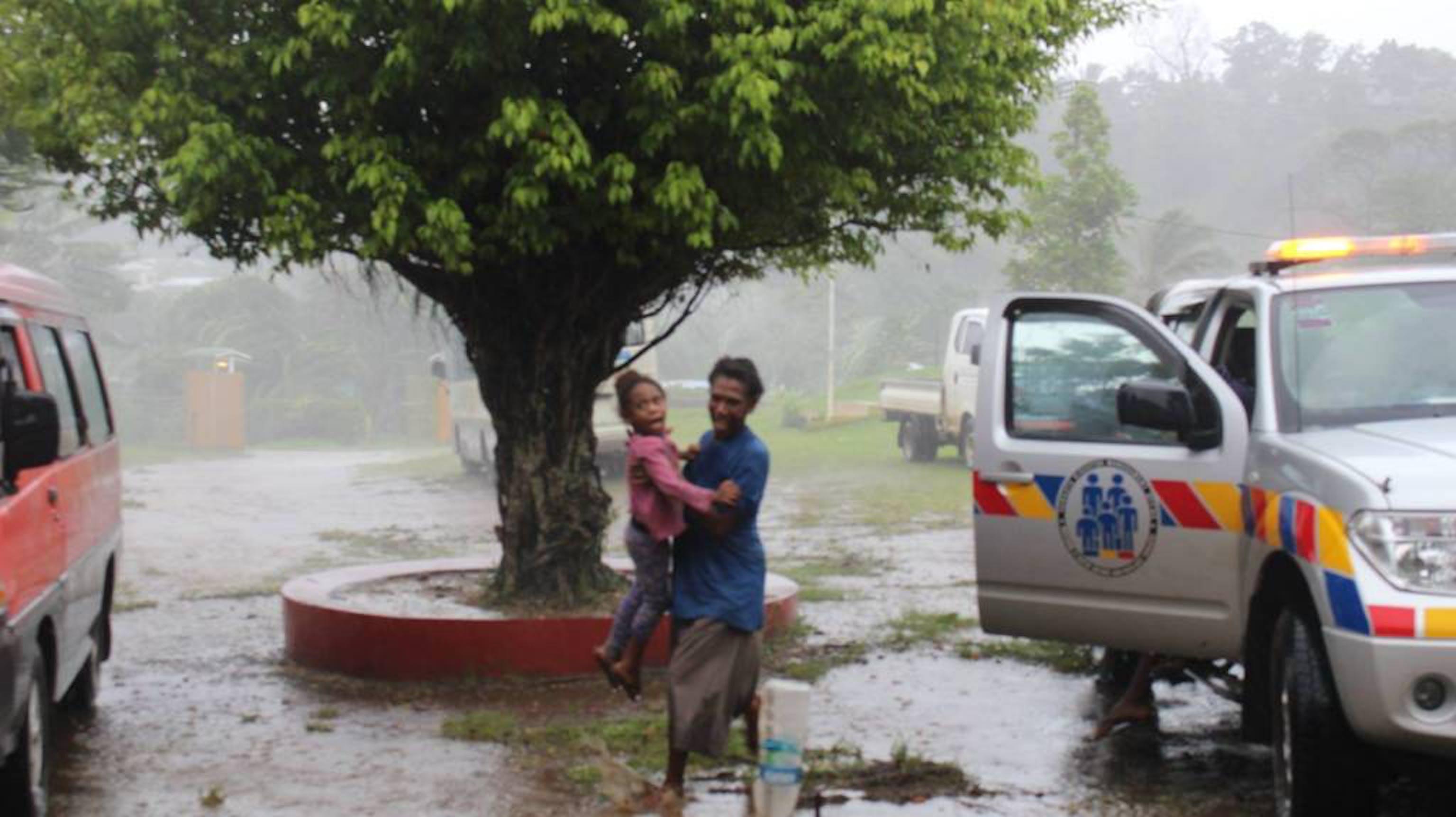 Scene di devastazione a Port Vila, capitale dell'arcipelago di Vanuatu (Pacifico meridionale) investito dalla furia del ciclone Pam