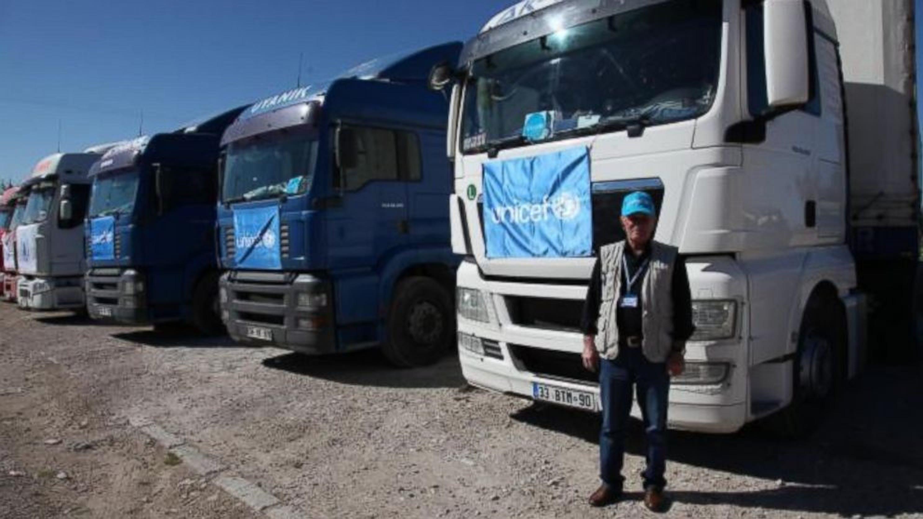 Camion con aiuti UNICEF al valico di frontiera di Nusaybin, tra Turchia e Siria - ©UNICEF