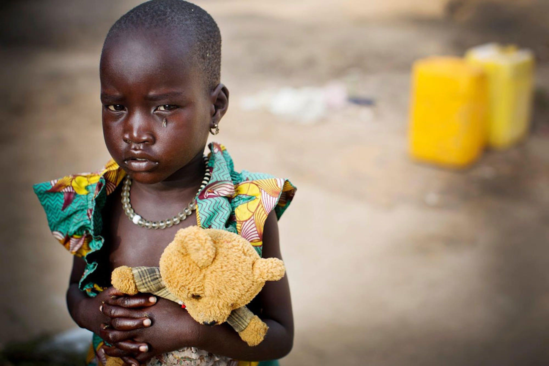 Nyamar, 3 anni. Migliaia di famiglie con bambini hanno trovato rifugio nella base ONU di Bol (Sud Sudan), dove l'UNICEF presta assistenza umanitaria - ©UNICEF/UNI176406/Holt