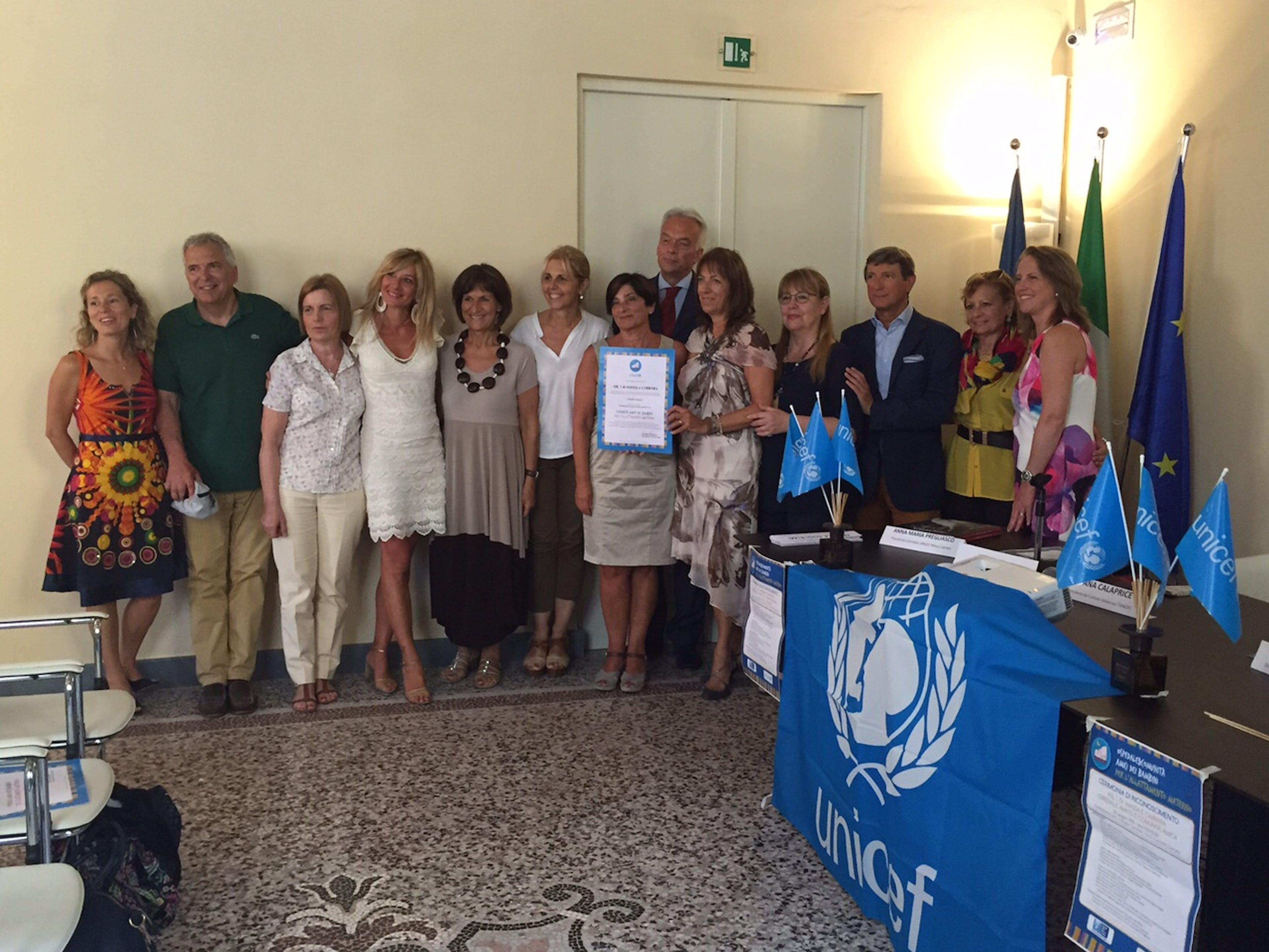 Lo staff della ASL 1 e dell'Ospedale di Massa e Carrara durante la cerimonia di riconoscimento quali