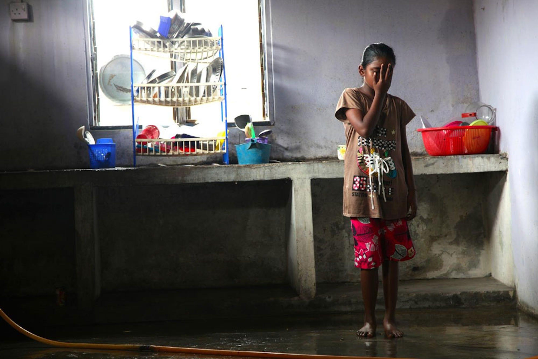Una bambina di 8 anni di Banting (Malesia), vittima di abuso sessuale in famiglia. Il suo caso è seguito da un'assistente sociale formata dall'UNICEF - ©UNICEF/NYHQ2014-3574/Pirozzi