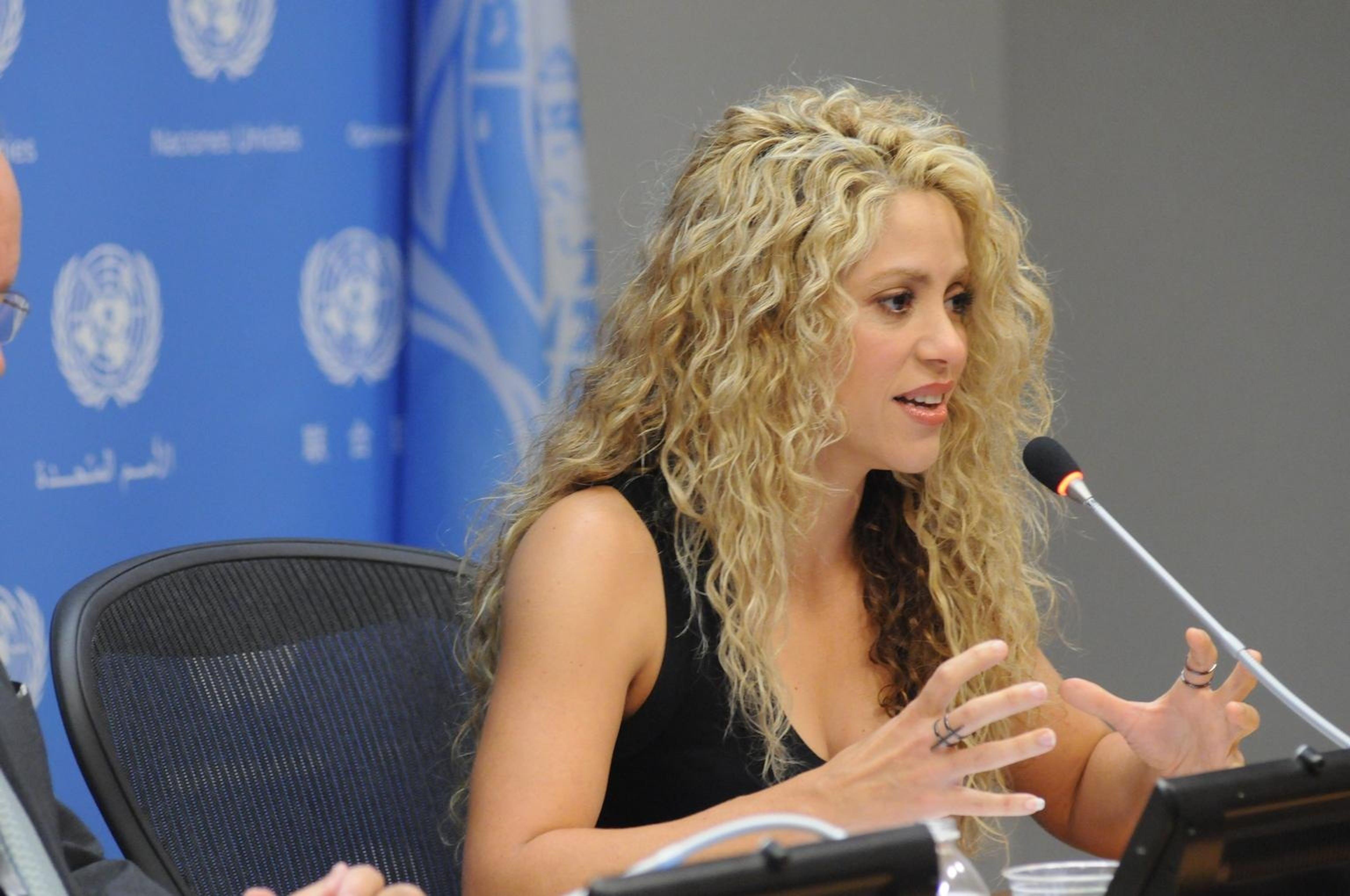 Un momento dell'intervento di Shakira all'iniziativa