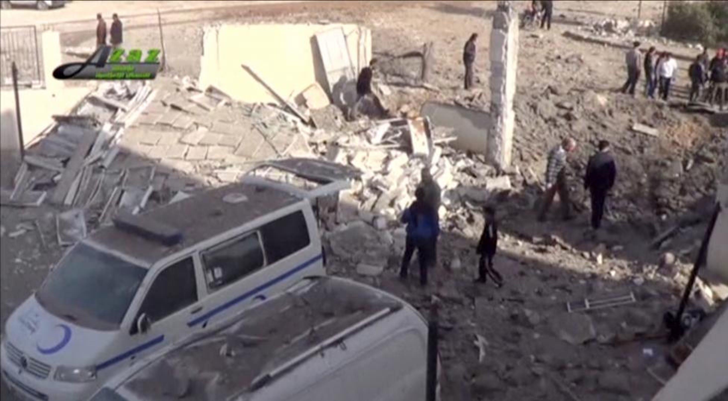 Un'immagine dell'ospedale di Azaz (Siria) colpito dai bombardamenti - ©Reuters TV
