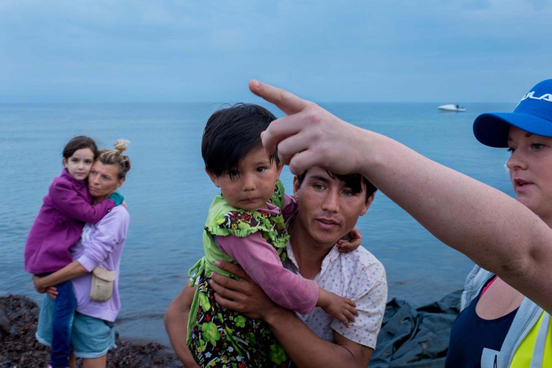 Bambini afgani appena sbarcati sull'isola greca di Lesbo, nel mare Egeo - ©UNICEF/NYHQ2015-2528/Gilbertson