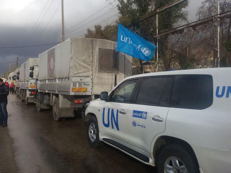 Un'immagine del convoglio congiunto ONU-Croce Rossa alle porte di Madaya, giovedì 14 gennaio 2016 - ©UNICEF/UNO7489/Omar
