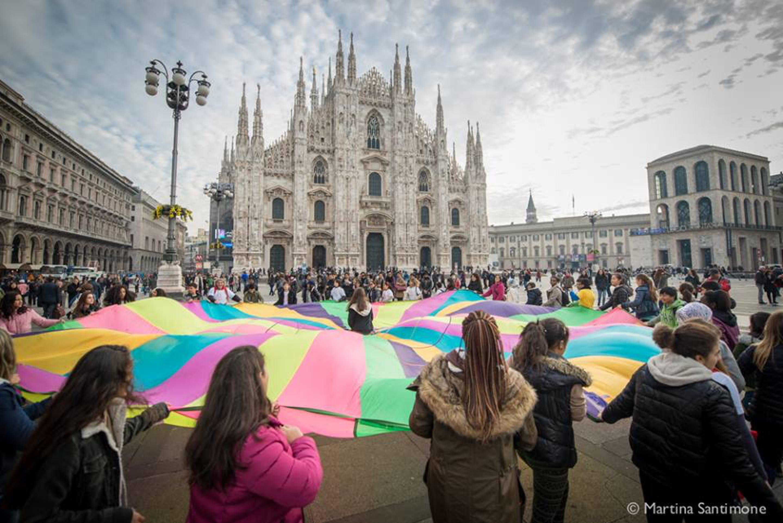 La manifestazione dell'UNICEF per la nomina di Milano
