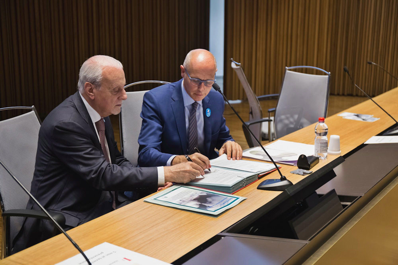 Il presidente dell'UNICEF Italia Giacomo Guerrera (sin.) e Marco Bosio, d.g. dell'ATS Milano - ©Marco Bargigia