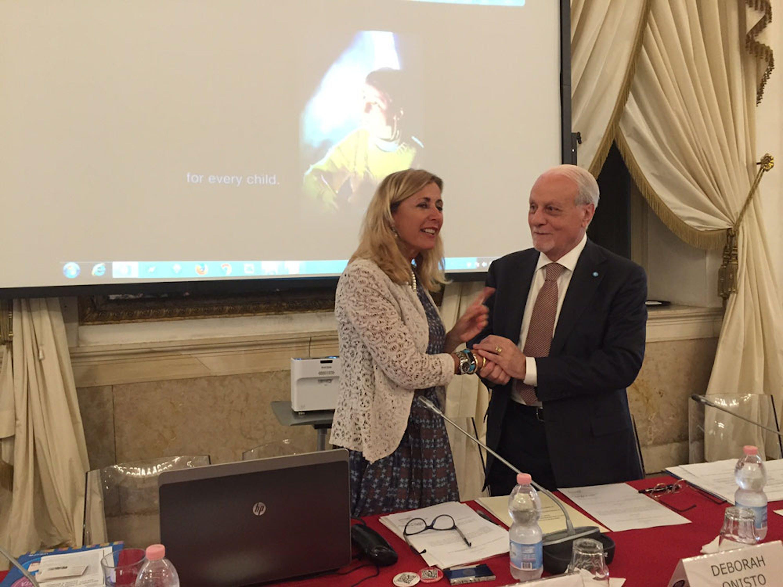 La presidente della Fondazione MUVE Mariacristina Gribaudi e il presidente dell'UNICEF Italia Giacomo Guerrera alla firma del protocollo d'intesa - ©UNICEF Italia/E. Chapin