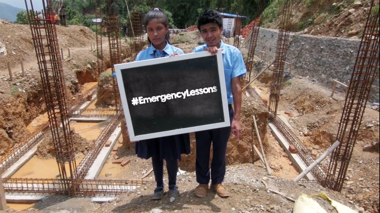 Milan e Susma, i due studenti protagonisti della videostoria dal Nepal per la campagna UNICEF-UE #EmergencyLessons