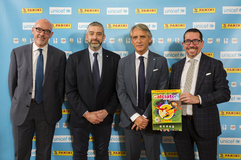 Da sin.: Marco Brunelli (Lega Serie A), Paolo Rozera (UNICEF Italia), Roberto Mancini, Antonio Allegra (Panini) - ©GoProject