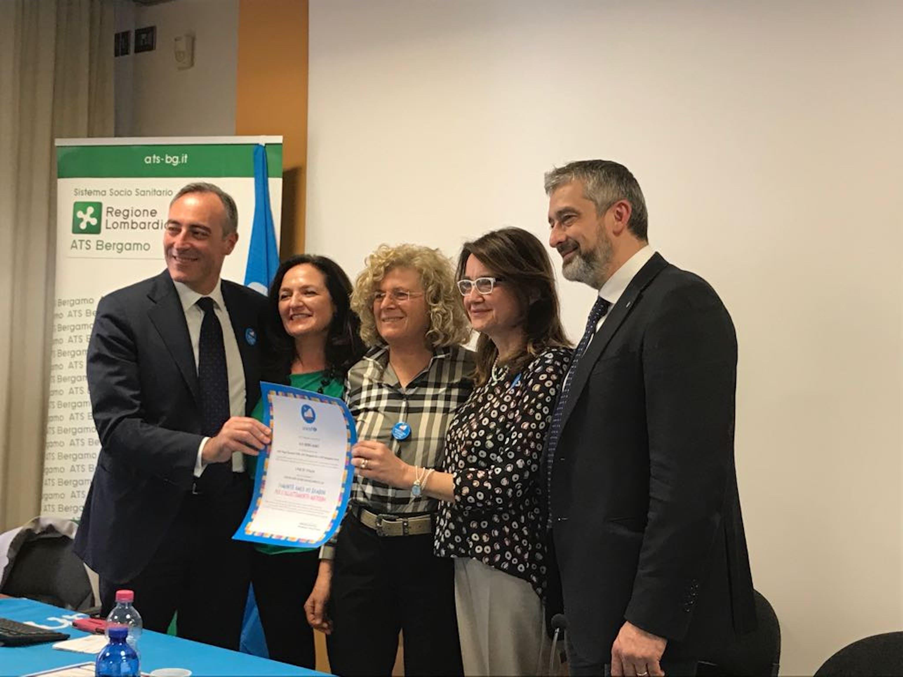 La consegna del riconoscimento della ATS di Bergamo quale