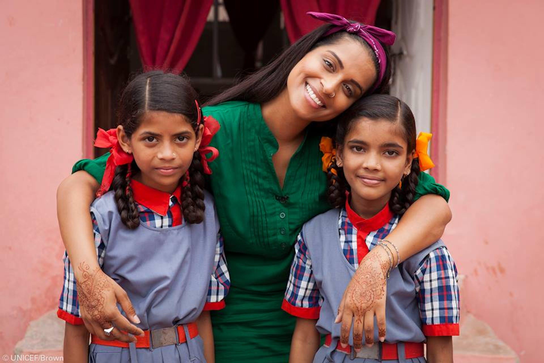 Lilly Singh nel corso della sua recente missione in India - ©UNICEF/Brown