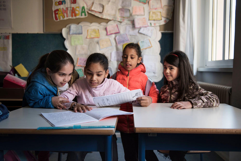 Alunne italiane e siriane in una scuola primaria di Trento - ©UNICEF/UN069359/A.Romenzi