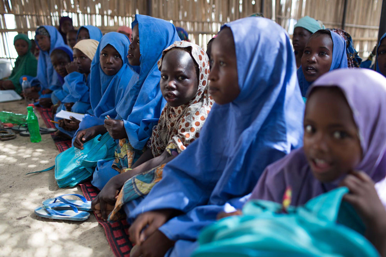 Bambine di una scuola di Maiduguri (Nigeria) - ©UNICEF/UN0126508/Bindra