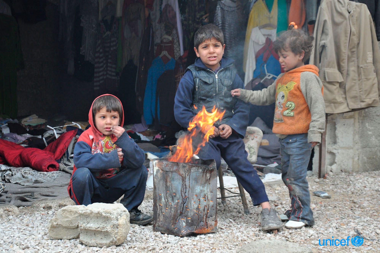 Bambini di Ghouta (Siria) durante uno degli ultimi inverni di guerra - ©UNICEF Siria/Amer Shami/2015