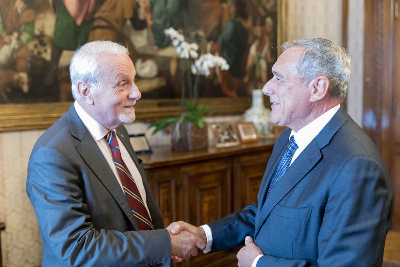 Il presidente del Senato Pietro Grasso e il Presidente dell'UNICEF Italia Giacomo Guerrera - ©Senato.it