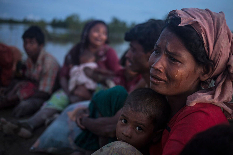Hasina Begum, 30 anni, è arrivata a Palong Khali (Bangladesh) dopo un viaggio a piedi di 10 giorni. Nei massacri in Myanmar ha perso il marito, il figlio maggiore, la mamma e due fratelli - ©UNICEF/UN0139414/LeMoyne