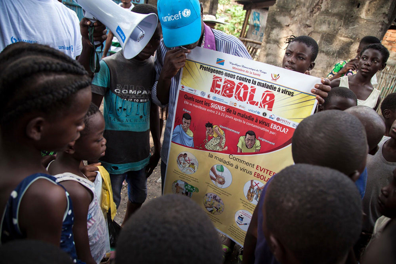 Un momento della campagna di informazione e prevenzione sul virus Ebola promossa dall'UNICEF a Mbandaka (Repubblica Democratica del Congo) - ©UNICEF/UN0215064/Naftalin
