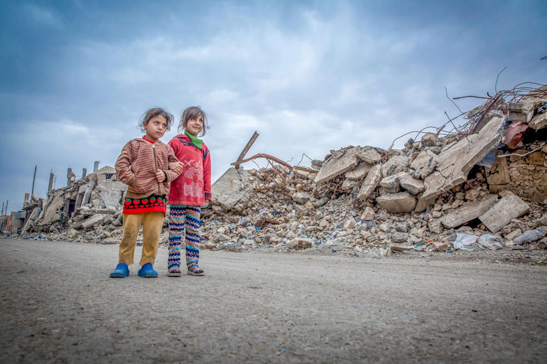 Nour e Sarah fra le macerie di Mosul (Iraq), la loro città.