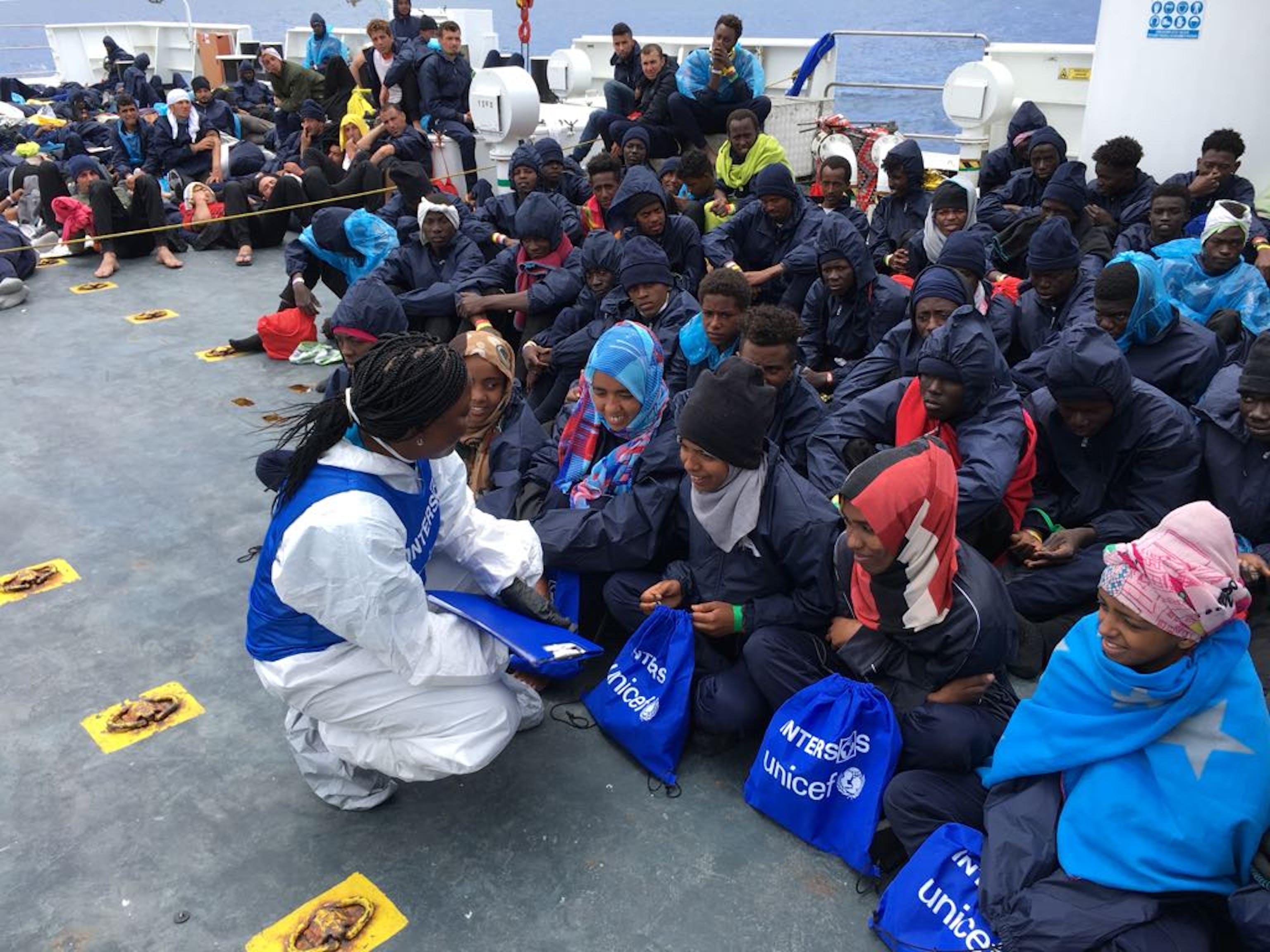 Sidonie Nsiako fa parte del team Intersos-UNICEF che ha viaggiato sulla nave della Guardia Costiera