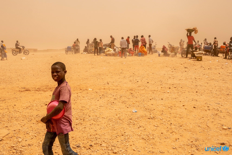 Niger - un centro di transito per i i migranti che vengono respinti dall'Algeria -  © UNICEF/UN0209663/Gilbertson VII Photo