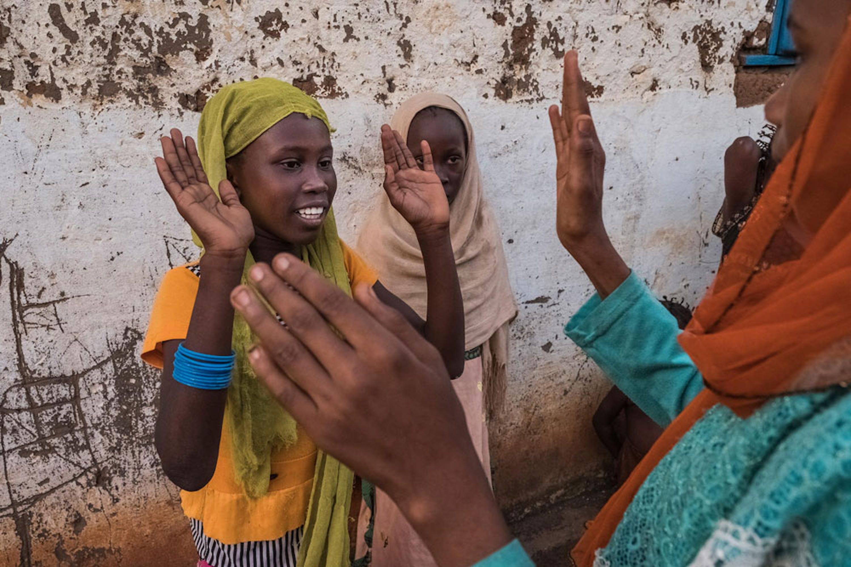 Haram Daoud, 13 anni: come tanti coetanei della Repubblica Centrafricana, ha conosciuto il dramma della fuga e della vita in un campo profughi, nel suo caso in Ciad - ©UNICEF/UN0149426/Sokhin