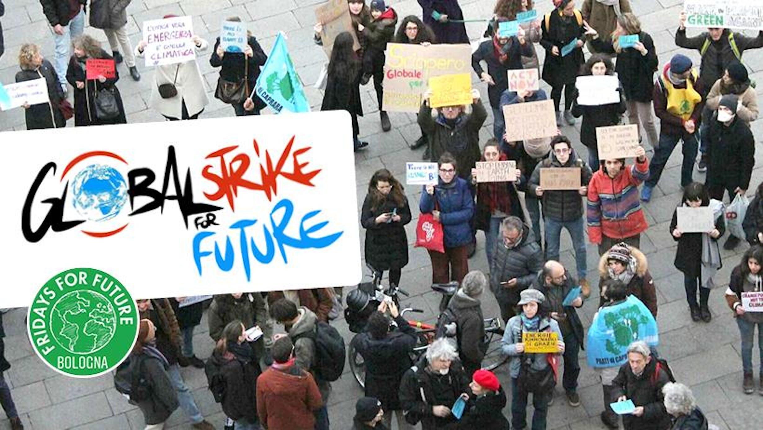 Una manifestazione di studenti per l'ambiente - ©Fridays For Future/Bologna